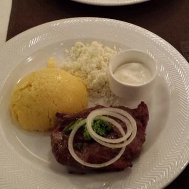 Carne di vitella con pure e formaggio