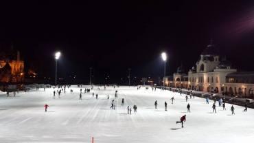 La più grande pista di pattinaggio su ghiaggio d'Europa
