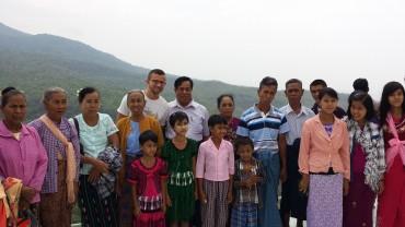 Ritratto di famiglia al Monte Popa