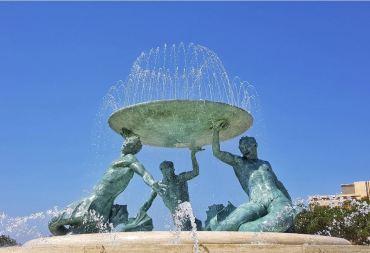 Fontana del Tritone