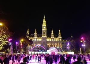 Rathaus e pattinaggio su ghiaccio